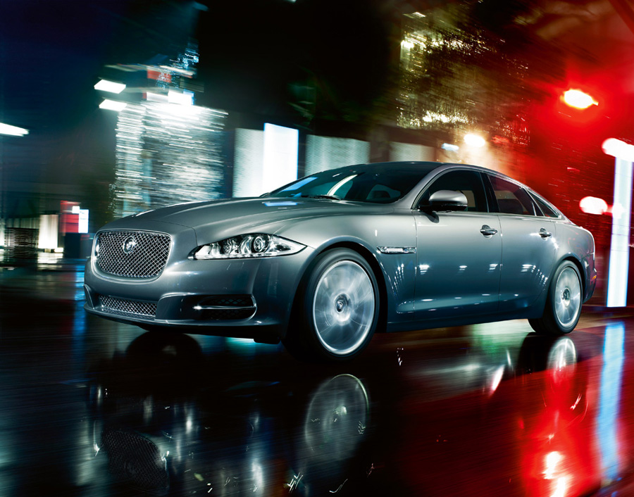 Attached Image: 2010_Jaguar_XJLSupersport3.jpg